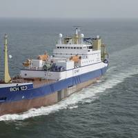 Cornelis Vrolijk and Jaczon are now replacing their nylon trawls by trawls made from DSM's light and exceptionally strong UHMwPE fiber, branded as Dyneema.