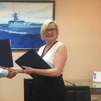 Danela McFadyen, Head of Commercial, International with Captain Pichayane Tanprasert, Managing Director of Bangkok Dock (Photo: BAE Systems)