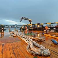 Deck equipment handling Photo MacGregor