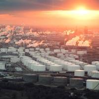 File Image: An aerial view of the Houston, Texas refining complex. (CREDIT: AdobeStock / © Irina K)