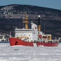File image of a Canadian Coast Guard icebreaker (CREDIT: AdobeStock / © Dennis Comeau