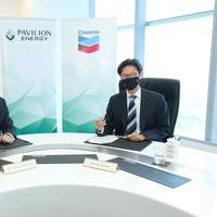Frédéric H. Barnaud (left), Group CEO of Pavilion Energy, and Law Tat Win (right), Chevron Singapore Country Chairman.