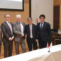 From left, Otto Malmgren, counsellor at Norwegian Embassy; Per Arve Frøyen, director of Innovation Norway Japan; Morten Lind-Olsen, CEO of Dualog; Hideki Suzuki, corporate officer at NYK; Hideyuki Ando, senior general manager of MTI. Photo: Dualog