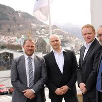 From left: Sebastian Rasmussen (Logistics & Projects Manager), Henrik P. Lassen (VP Operations) and Jan Almqvist (MD) of POLOG with Ahmet Özsoy, Managing Director of GAC Norway