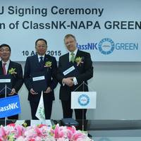 From left to right: Chairman and President Noboru Ueda from ClassNK, President Mong-Jye Lee from Evergreen Marine Corp. and President Juha Heikinheimo from NAPA Group at the signing ceremony in Taipei on April 10, 2015