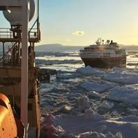 HMS Shacketon Leads 'Fram': Photo credit MOD