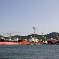Illustration; A shipyard in South Kore - Credit: Stephan Scherhag - AdobeStock