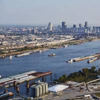 Inland waterways with St. louis in the background. (Credit: St. Louis Regional Freightway)