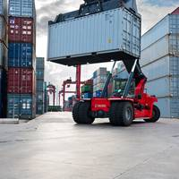 Kalmar reachstacker is well adapted to all kinds of diversified cargo handling