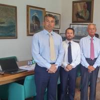 L to R:  Dott. Corrado Neri, Director Fratelli Neri Group and Managing Director Labromare Livorno; Andrea Trevisan, Damen Sales Manager; Dott. Piero Neri, President Fratelli Neri Group; Dott. Corrado Neri, Director Fratelli Neri Group and Mr. Riccardo Sala, Broker Branchero Costa on the occasion of the contract signing for the three vessels. (Photo: Damen Shipyards)