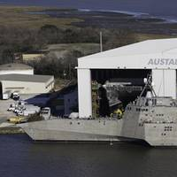 LCS vessels, hulls 4 & 5, alongside at Austal's U.S. manufacturing facility. (CREDIT: Austal)