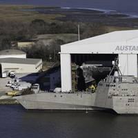 LCS vessels, hulls 4 & 5, alongside at Austal's U.S. manufacturing facility. (CREDIT: Austal)
