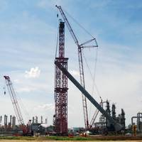 Mammoet crane at Reficar Refinery, Cartagena, Colombia (Photo: Mammoet)
