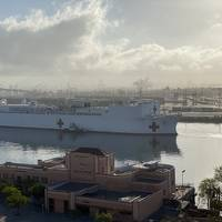 Military Sealift Command hospital ship USNS Mercy (T-AH 19) departs Los Angeles (Photo: Port of Los Angeles)