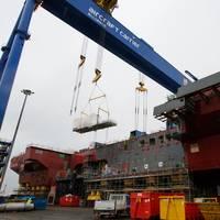 MT30 Gas Turbine Alternator lifted into the U.K. Royal Navy's latest aircraft carrier HMS Prince of Wales (Photo: John Linton)
