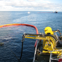 NorLense booms contain the spill and recovering onto a vessel with the Framo TransRec Oil Skimmer System  (Photo: Framo)
