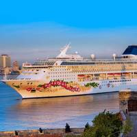 Norwegian Sky in Havana (Photo: Norwegian Cruise Line)