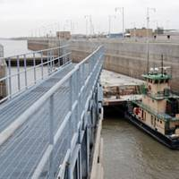 One of the two miter gates of the auxiliary chamber close behind the MV Sir Robert at Locks 27 in Granite City, Ill. Photo courtesy USACE