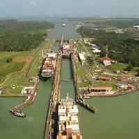 Panama Canal locks: Image CCL 2