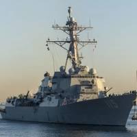 (Photo: Tyler R. Fraser / U.S. Navy)