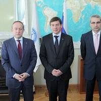 Pictured (from left to right): Sergey Frank, CEO, OAO Sovcomflot; Dmitry Mironenkov, Vice President, JSC United Shipbuilding Corporation; Nikolai Grigoriev, Director of Global Shipping & Logistics, Gazprom Marketing & Trading and Mikhail Ayvazov, CEO, Russian Maritime Register of Shipping