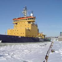 Arctic Icebreaker: Photo credit Marcusroos Free GNU License