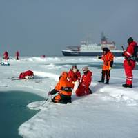 Polarstern Backdrops Scientific Expedition: Photo credit Alfred Wegener Institute