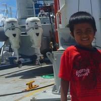 R/V Roger Revelle saves marooned family in Palau