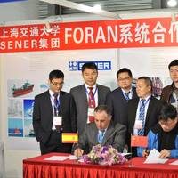 Seated, from left: Alfonso Cebollero (SIS Chief Regional Officer, North Asia) and Dr. Yanping He (SJTU Director of Design & Research Institute of Ship and Ocean Engineering); standing, from left: Xinlin Zhou (SSS Consultant), Songshan Hu (SSS Consultant), Min Wu (SSS Sales Manager), Dr. Guangwu Liu (SIS Country Manager, China), Dr. Long Yu (SJTU Professor) y Dr. Ya Dong Liu (SJTU Professor) during the signing ceremony at the stand of SENER in Marintec 2013.
