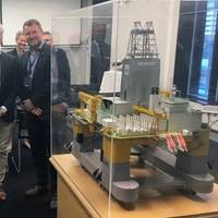 Simen Lieungh, CEO Odfjell Drilling, and Geir Tungesvik, senior vice president for Drilling & Well, with a model of the Deepsea Atlantic drilling rig. Photo: Kjetil Eide, Equinor