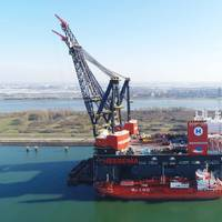 Sleipnir takes on the world's largest ever LNG bunkering (Photo: Heerema)
