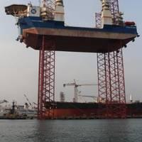 Teras Sunrise jacking trials (Photo: Mr. Ian Tan Kwang Hoii, ASL Shipyard)