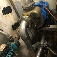 """The Aussie GMP B3XR-A bronze pump was a snug fit after the old cast iron Stalker was """"deep sixed"""". Photo courtesy Aussie Pumps"""