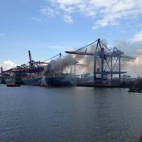 The containership CCNI Arauco caught fire in the aft container hold on September 1. After four intense weeks, Ardent safely returned the vessel to the owners. Ardent discharged the damaged containers out of the vessels cargo hold. These containers were declared as dangerous waste and required special treatment. (Photo: Feuerwehr Hamburg)