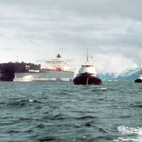 The Exxon Valdez ran aground on Bligh Reef in Prince William Sound, Alaska, March 23, 1989 spilling 11 million gallons of crude oil. (Photo: U.S. Coast Guard)
