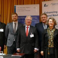 The panellists stressed the need of developing one strong voice for inland navigation in Europe. From left Gunnar Platz, Jukka Hasu, Roland Hörner, Sławomir Kopyść, Karin de Schepper and Stefan Breitenbach Photo Port of Hamburg
