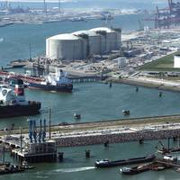 The Port of Rotterdam predicts becoming a LNG bunkering hub by 2030