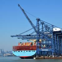 The UK maritime sector makes a major contribution to the country's economy. (Photo© Adobe Stock / harlequin9)