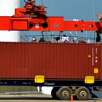 Unloading shipping containers at Puerto Caacupe-mi (Photo courtesy of Caacupe-mi Private Port)
