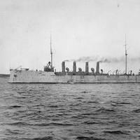 USS Birmingham (U.S. Naval Historical Center Photograph.)