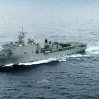 USS Fort McHenry (LSD 43) (U.S. Navy photo)