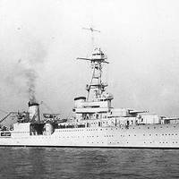 USS Houston photographed during the early or middle 1930s. (U.S. Naval Historical Center Photograph.)
