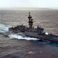USS Marvin Shields (FF 1066) (U.S. Navy photo by PH2 John Cross from the DVIC)