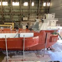 VanEnkevort Tug & Barge, Inc. (VTB) tug freshly painted at Don John Ship Repair in Erie, Pa. Photo courtesy: Amtech