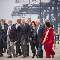 Vice President Joe Biden and Secretary of Transportation Anthony Foxx meet with Congressional member Gene Green, Port of Houston Authority Executive Director Len Waterworth, Port Commission Chairman Janiece Longoria, Port Commissioner Clyde Fitzgerald, and Congressional member Sheila Jackson Lee.