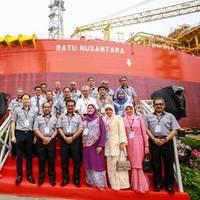 Y.A.B Datuk Seri Panglima Musa Haji Aman, Chief Minister of Sabah and Y.A.B Datin Seri Panglima Datuk Hajjah Faridah Haji Tussin, wife of Chief Minister of Sabah with the distinguished guests on the launch of M3nergy Berhad's latest FPSO vessel -- Ratu Nusantara.