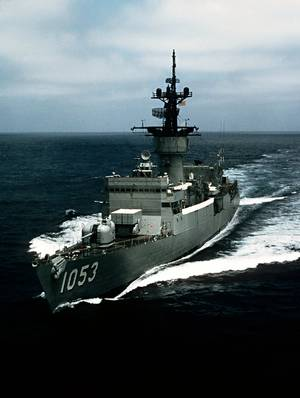 USS Roark (FF-1053). U.S. Navy photo by PHAN Burgess