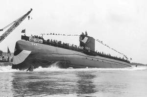 Seadragon (SSN-584) is launched on August 16, 1958 (USN photo)