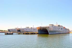 File photo: Expeditionary Fast Transport vessels, USNS Spearhead (T-EPF 1), USNS Choctaw County (T-EPF 2) and USNS Fall River (T-EPF 4). (Photo: Brian Suriani / U.S. Navy)