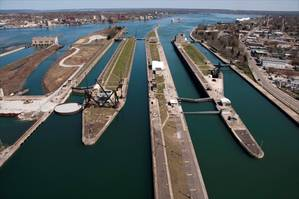 An aerial view from the upper approach to the Soo Locks. The locks from left to right are the Sabin, Davis, Poe and MacArthur. (Image: U.S. Army Corps of Engineers)
